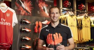 PETR-CECH-SIGNS-WITH-PUMA