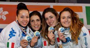 Camilla Mancini (prima a dx) con le altre azzurre del dream team