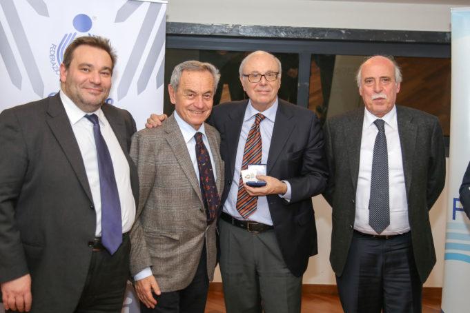 Luciano Cecchi, primo a destra