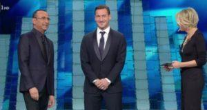 Francesco Totti sul palco dell'Ariston