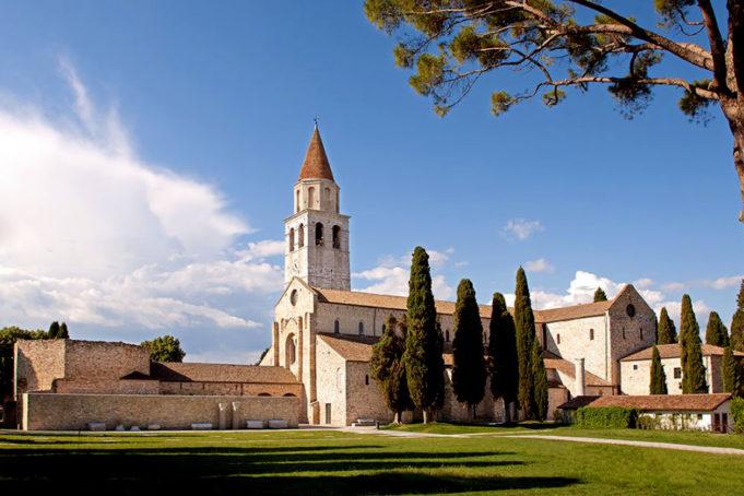 Una spettacolare cronometro a squadre da Aquileia a Grado assegnerà la prima maglia rosa