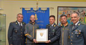 Niccolò Campriani con da sx Col. Parrinello, Gen.B. Romano, Lgt. Erriu e Cap. Conti