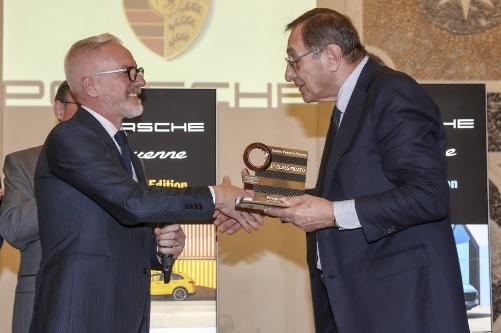 Pietro Innocenti (Direttore Generale di Porsche Italia) e Giorgio Marra (Titolare del Centro Porsche Verona)