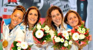 Camilla Mancini (la prima a dx) con le altre azzurre