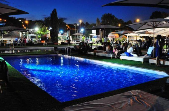La piscina di Mondofitness