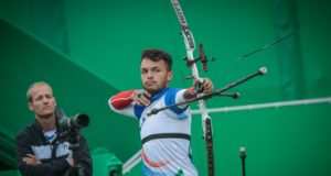 David Pasqualucci ai Giochi di Rio 2016 con il CT Wietse van Alten WORLD ARCHERY