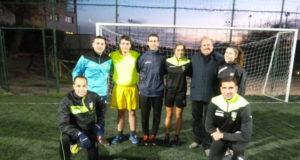 Maria Marotta con il presidente Aia Gasbarri e alcuni arbitri viterbesi prima dell'allenamento