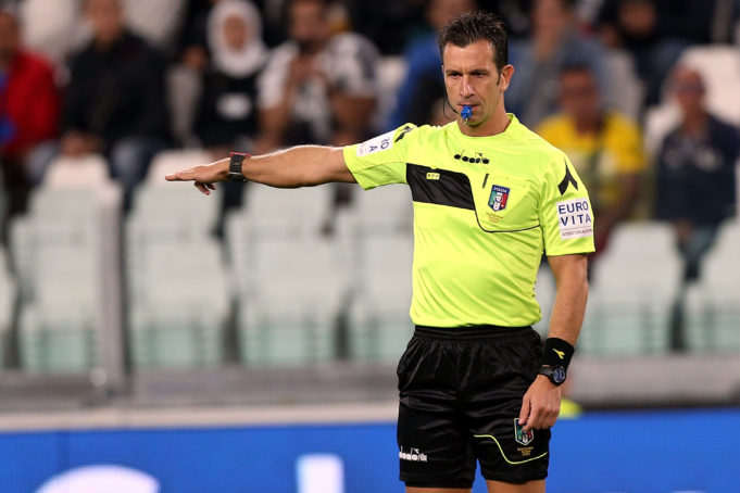 TURIN, ITALY - SEPTEMBER 20: Daniele Doveri referee during the Serie A match between Juventus and ACF Fiorentina on September 20, 2017 in Turin, Italy. (Photo by Gabriele Maltinti/Getty Images)