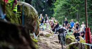 Una fase della prova di Downhill di Coppa del Mondo UCI in Val di Sole 2018 (Credits: Michele Mondini)