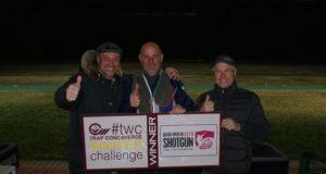 Il vincitore Paolo Cavarzan in mezzo a Ivan e Roberto Carella (presidente e vicepresidente Concaverde)