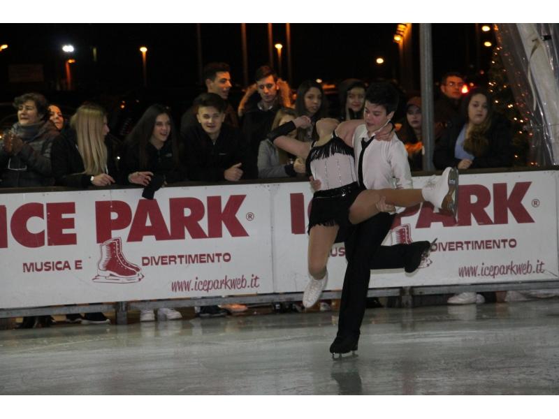 Inaugurato l'Ice Park dell'Auditorium con la star del pattinaggio Chiara Censori