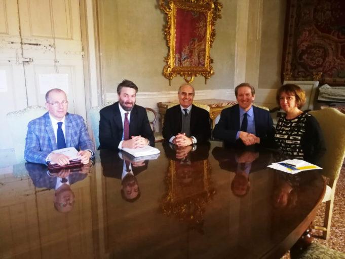Nella foto, da destra: il Sindaco di Imola, Manuela Sangiorgi, il Presidente FMI Giovanni Copioli, il Direttore dell'Autodromo, Roberto Marazzi, il Presidente di Formula Imola, Uberto Selvatico Estense, il Presidente della Commissione Ambiente FMI, Giancarlo Strani.